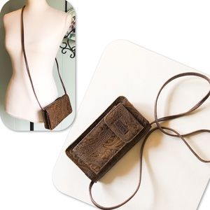 Relic by Fossil East West Crossbody Wallet
